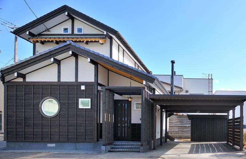 写真:木の質感が暖かい、落ち着きのある空間 〜札幌市西区 向平邸〜(1)