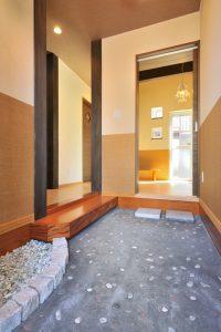 写真:木の質感が暖かい、落ち着きのある空間 〜札幌市西区 向平邸〜(2)