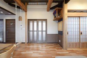 写真:梁が印象的な和モダンを愉しめる住まい 〜札幌市東区 住吉邸〜(3)