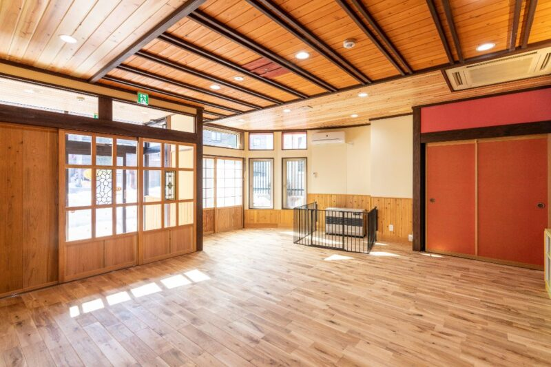 写真:札幌市南区 認可保育所「木育こどもの家」 南の沢園 (1)